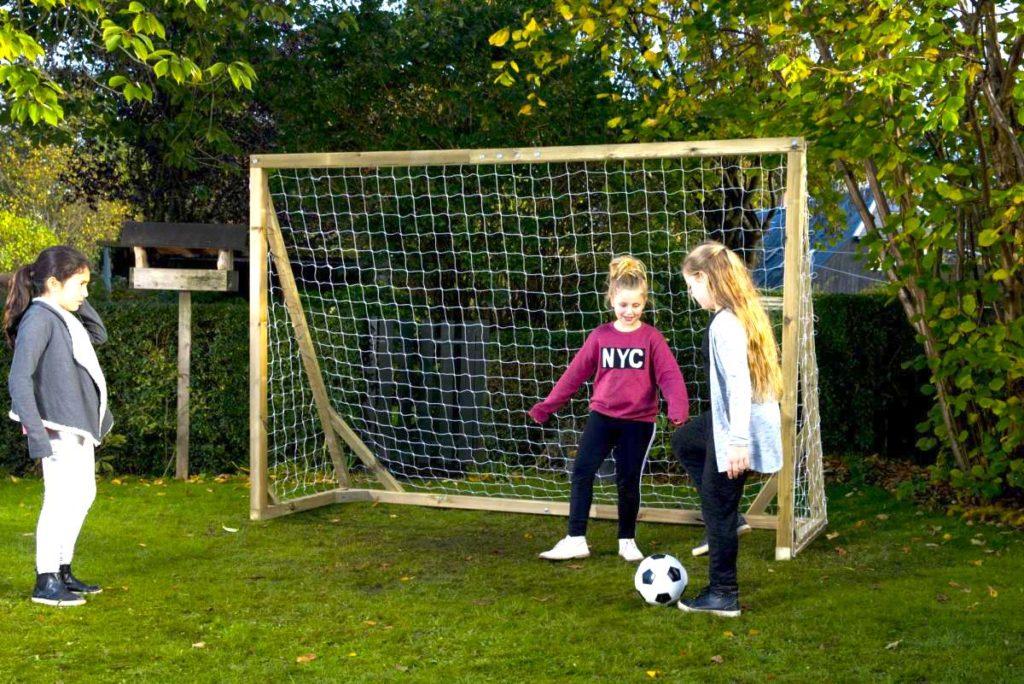 Fodboldmål i haven